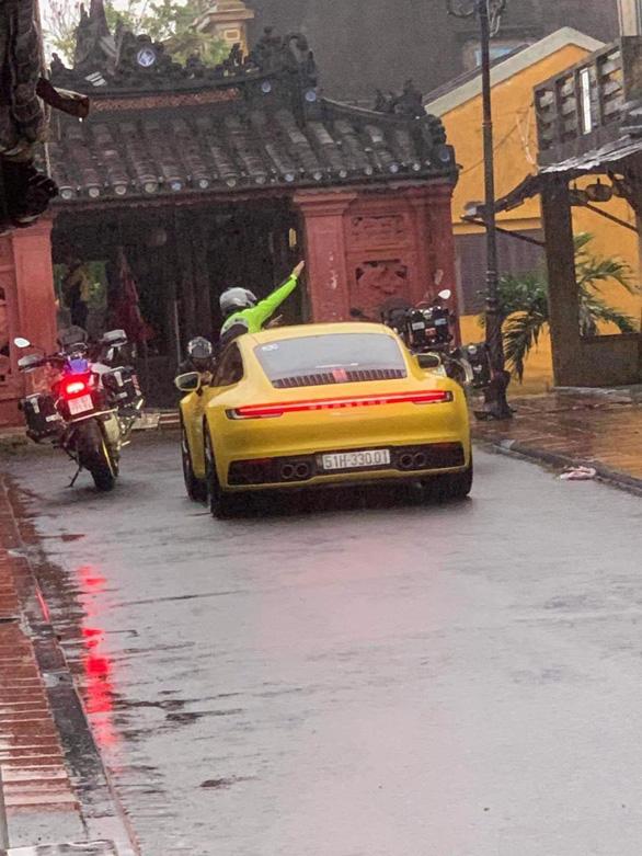 Truy tìm đoàn 'siêu xe' đi đường cấm vào thẳng chùa Cầu Hội An thumbnail