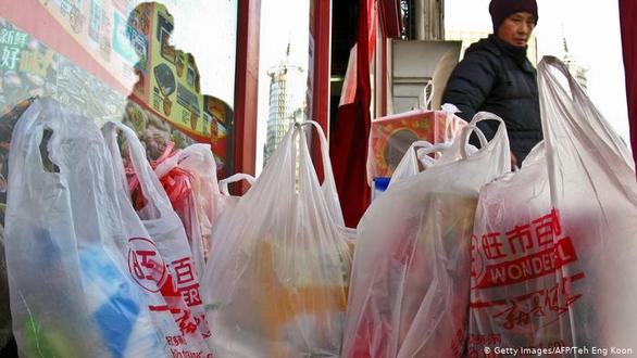 Trung Quốc siết việc sử dụng đồ nhựa một lần, bắt các công ty báo cáo - Ảnh 1.