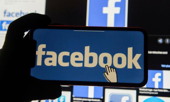 Facebook trả hàng triệu USD mua tin tức từ các báo lớn của Anh - Ảnh 1.