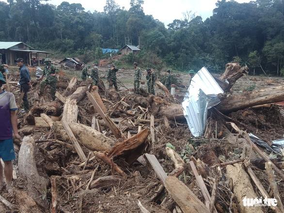 Quân đội, biên phòng tăng tốc tìm người mất tích tại Phước Sơn - Ảnh 1.