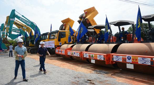 Đồng loạt thi công các gói thầu dự án cao tốc Vĩnh Hảo - Phan Thiết - Ảnh 1.