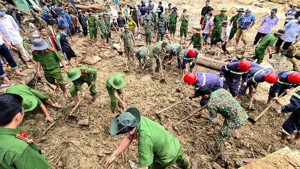 Bài học từ sạt lở Trà Leng, Phước Sơn: Quảng Nam dốc sức dời dân khỏi vùng nguy hiểm - Ảnh 1.