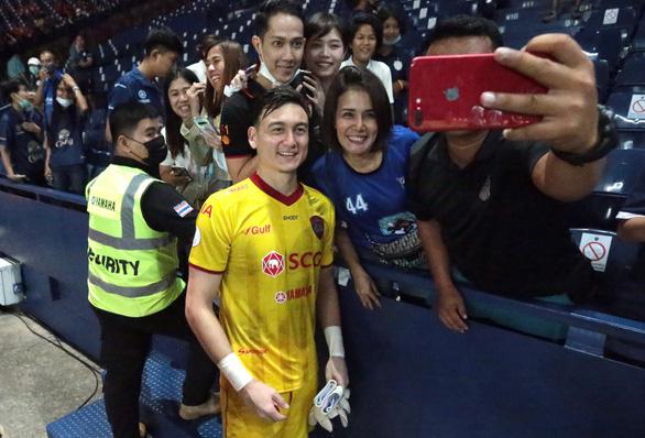 Điểm tin thể thao tối 5-11: Trận đấu của Văn Lâm tại Thái Lan có lượt xem khủng - Ảnh 1.