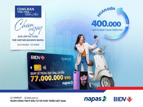 Chạm thẻ BIDV Smart có cơ hội trúng xe Vespa Primavera - Ảnh 1.