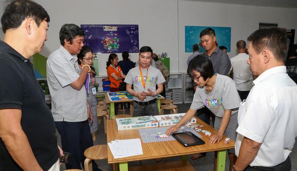 Văn nghệ sĩ tiêu biểu tham quan các công trình trọng điểm TP.HCM - Ảnh 3.