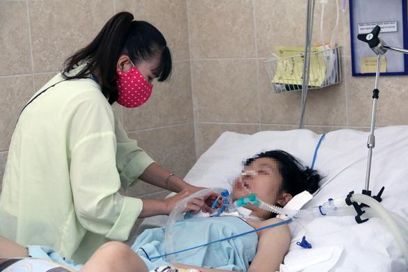 Sau hơn 3 tháng điều trị, 2 bệnh nhân ngộ độc patê Minh Chay mới khỏe - Ảnh 1.