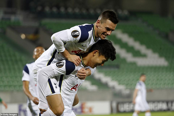 17 giây sau khi vào sân, Son Heung-Min đã dọn cỗ giúp Tottenham chiến thắng 3-1 - Ảnh 2.