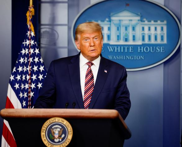 Ông Trump phát biểu từ Nhà Trắng: Đội ngũ của tôi phát động số vụ kiện tụng rất lớn - Ảnh 1.