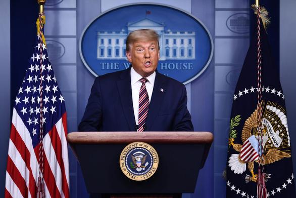 Nhà Trắng rất trống, u ám, còn ông Trump 'đang buồn rầu và hi vọng' - Ảnh 2.