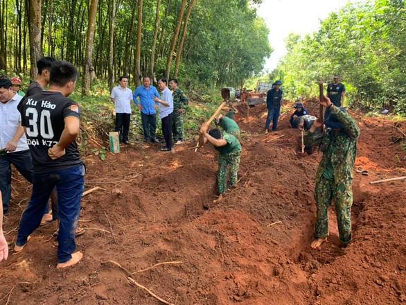 Từ tin báo của người dân, Bình Phước quy tập được 19 hài cốt liệt sĩ - Ảnh 1.
