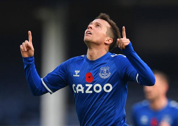 Bruno Fernandes tỏa sáng, Man Utd ngược dòng đá bại Everton - Ảnh 1.