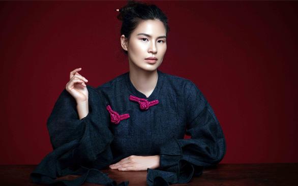 Thủy Nguyễn ghi chép văn hóa lên thời trang - Ảnh 1.