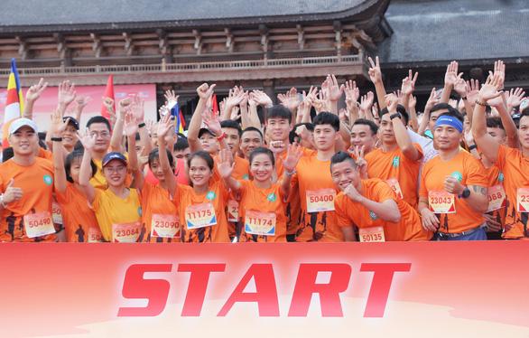 Giải chạy từ thiện đem lại hàng ngàn đôi mắt sáng cho trẻ thơ - Ảnh 1.