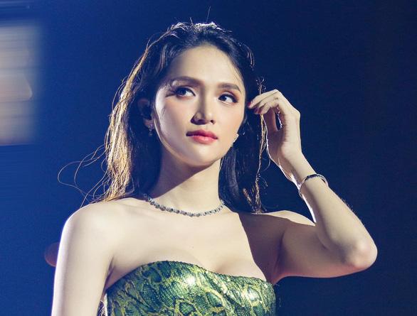 Hương Giang tạm dừng hoạt động: Giới hạn của thách thức dư luận - Ảnh 1.