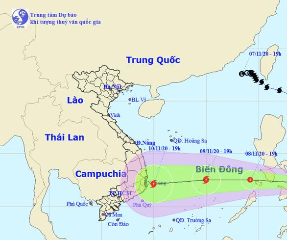 Áp thấp nhiệt đới hướng vào Biển Đông, có thể thành bão mạnh cấp 8 vào ngày 9-11 - Ảnh 1.