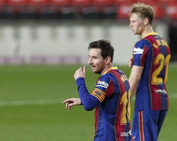 Vào sân từ băng ghế dự bị, Messi lập cú đúp giúp Barca đại thắng - Ảnh 6.