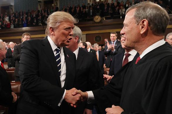 Tòa án tối cao giúp ích được gì cho ông Trump? - Ảnh 3.