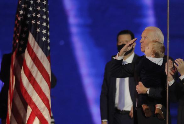 Cơ quan thẩm quyền chưa xác nhận ông Biden là người chiến thắng rõ ràng - Ảnh 1.