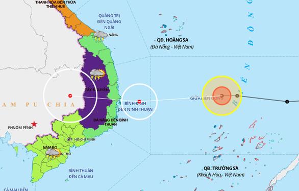 Bão số 12 đổ bộ Bình Định đến Khánh Hòa, miền Trung sẽ lại mưa lớn - Ảnh 1.