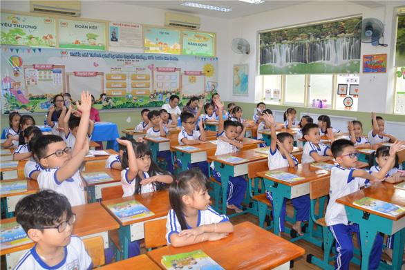 Sử dụng tiết ôn tập giúp học sinh lớp 1 TP.HCM gặp khó môn tiếng Việt - Ảnh 1.