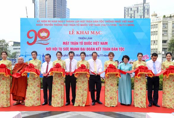 Khai mạc triển lãm ảnh MTTQ Việt Nam - nơi hội tụ sức mạnh khối đại đoàn kết dân tộc - Ảnh 1.