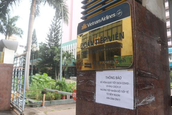 Đóng cửa khu cách ly đoàn tiếp viên của Vietnam Airlines - Ảnh 1.