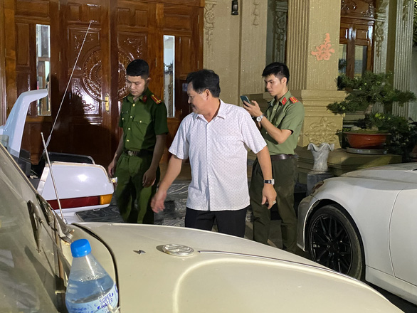 The owner of a gilded villa in Ba Ria - Vung Tau was arrested - photo 2.