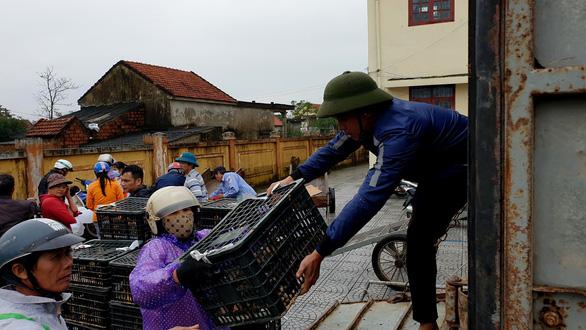Trao sinh kế cho người dân vùng lũ Quảng Bình - Ảnh 5.