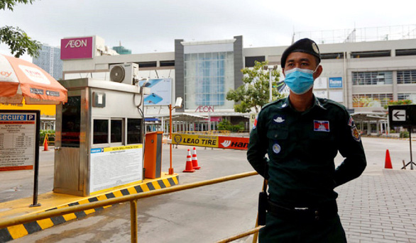 Campuchia ráo riết truy vết người liên quan COVID-19 - Ảnh 1.