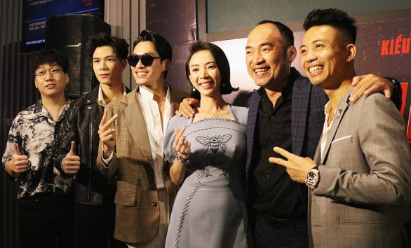 Thu Trang, Kiều Minh Tuấn lần thứ 8 đóng chung trong Chị Mười Ba - Ảnh 1.