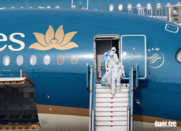 Dừng bay quốc tế với hãng hàng không làm lây dịch ra cộng đồng - Ảnh 1.