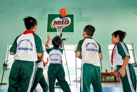 'Năng động Việt Nam' tiếp tục truyền lửa thể thao đến trẻ em Đồng bằng sông Cửu Long - Ảnh 4.