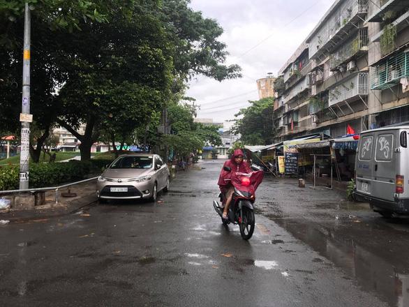 TP.HCM mưa, Biển Đông có thể đón áp thấp trước Noel - Ảnh 1.