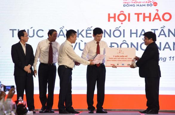 Thủ tướng xem xét các kiến nghị thúc đẩy kết nối hạ tầng vùng Đông Nam Bộ - Ảnh 1.