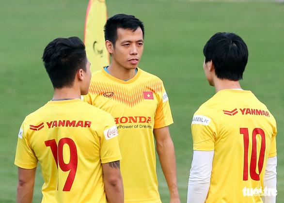 Tuyển Việt Nam thử đội hình: Công Phượng cạnh tranh hai ngôi sao Hà Nội FC - Ảnh 1.