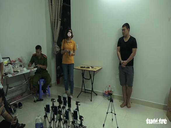 Nhóm người Trung Quốc dụ dỗ trẻ em quay clip sex đăng trên mạng - Ảnh 2.