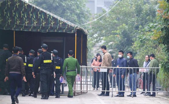 Cựu chủ tịch Nguyễn Đức Chung hầu tòa vì chủ mưu chiếm đoạt tài liệu mật - Ảnh 3.