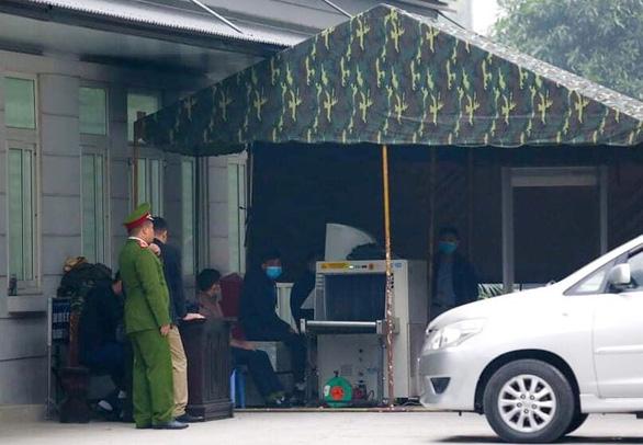 Cựu chủ tịch Nguyễn Đức Chung hầu tòa vì chủ mưu chiếm đoạt tài liệu mật - Ảnh 1.