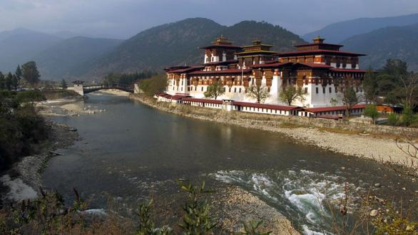 Bhutan bỏ phiếu cho phép quan hệ đồng giới - Ảnh 1.