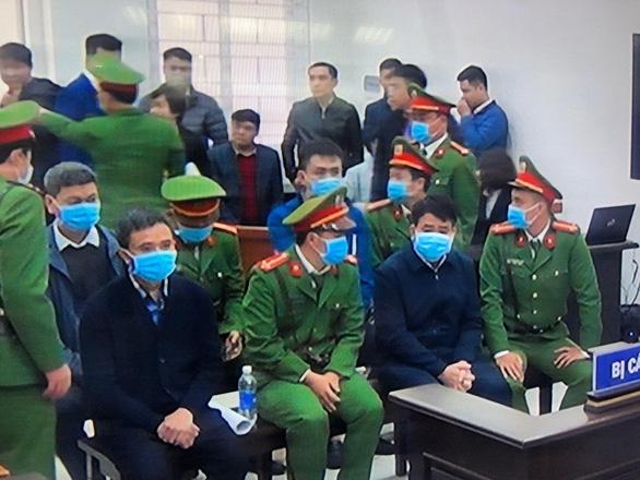Cựu chủ tịch Hà Nội Nguyễn Đức Chung lãnh 5 năm tù - Ảnh 1.