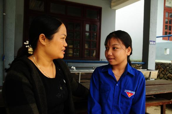 Ngôi trường cưu mang hàng chục học trò mồ côi - Ảnh 6.