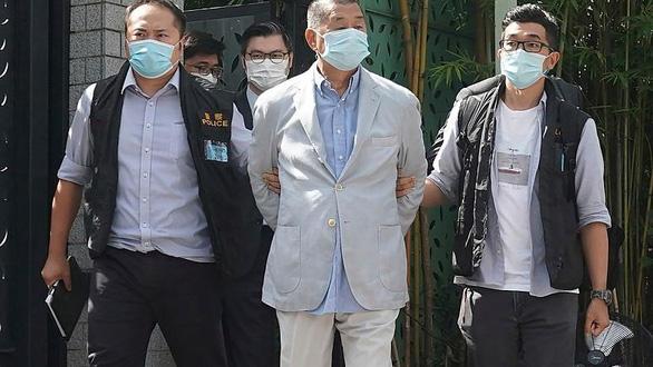 Tỉ phú truyền thông Hong Kong Jimmy Lai bị buộc tội vi phạm luật an ninh quốc gia - Ảnh 1.