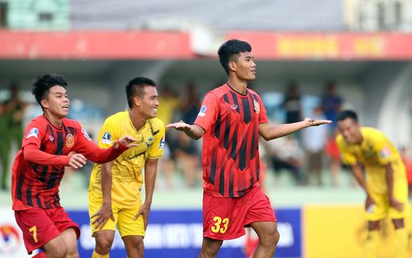 Giải hạng nhất 2021: Gia Định được phép rút, đội CAND được thay vào - Ảnh 1.