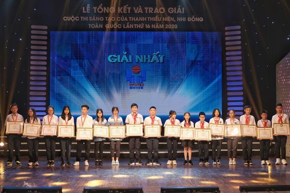 2 học sinh Bát Xát, Lào Cai nhận giải đặc biệt cuộc thi sáng tạo thanh thiếu nhi - Ảnh 2.