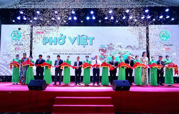 Ngày của phở 12-12: Cảm nhận trọn vẹn hương phở Việt - Ảnh 1.