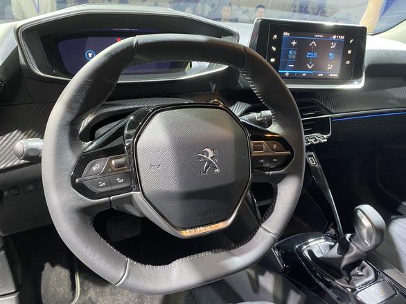 Thaco giới thiệu mẫu xe SUV Peugeot 2008 giá chỉ từ 739 triệu đồng - Ảnh 5.