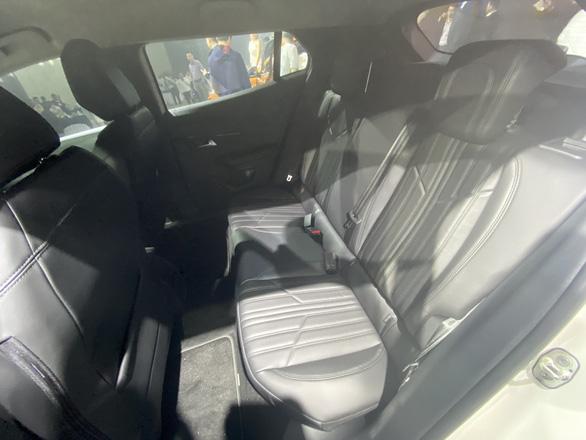 Thaco giới thiệu mẫu xe SUV Peugeot 2008 giá chỉ từ 739 triệu đồng - Ảnh 6.