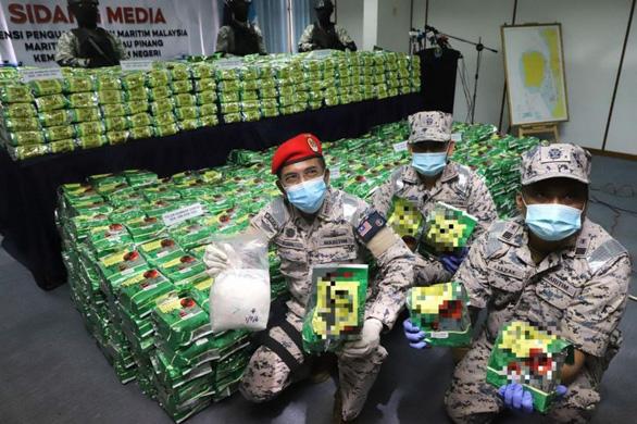 Bắt giữ 2 tấn ma túy đá giấu trong các gói trà Trung Quốc - Ảnh 1.