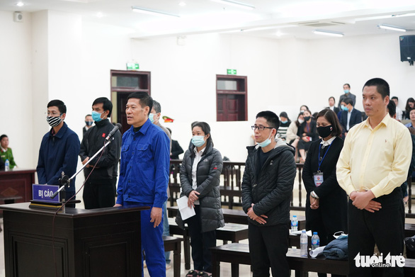 Cựu giám đốc CDC Hà Nội lãnh 10 năm tù vì nâng khống giá máy xét nghiệm - Ảnh 3.