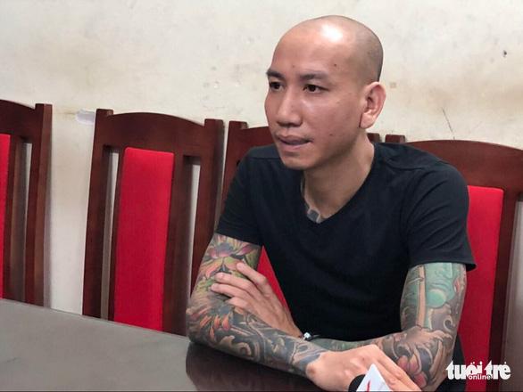 Bị hại rút đơn, giang hồ mạng Phú Lê được trả tự do - Ảnh 1.